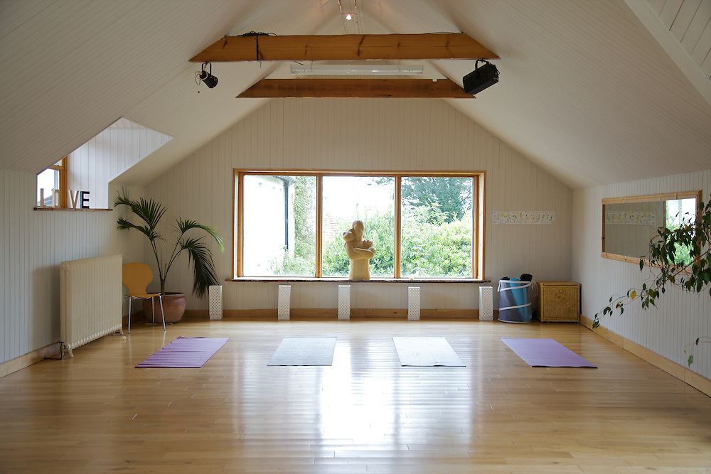 The yoga studio at The Old Rectory, Chumleigh, Devon <br /> CREDIT: Vanessa Berberian for The Wall Street Journal<br /> LUXRENT-Nanassy/Chulmleigh