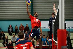 20181124 NED: Volleyball Top League ZVH - VCV: Zevenhuizen<br />Ludrich Innocente (5) of CAS CRM ZVH<br />©2018-FotoHoogendoorn.nl / Pim Waslander