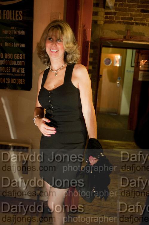 JULIA ENDELMAN, Gala performance of  RUBY WAX- LOSING IT  in aid of  Comic Relief. Menier Theatre. London. 23 February 2011. -DO NOT ARCHIVE-© Copyright Photograph by Dafydd Jones. 248 Clapham Rd. London SW9 0PZ. Tel 0207 820 0771. www.dafjones.com.