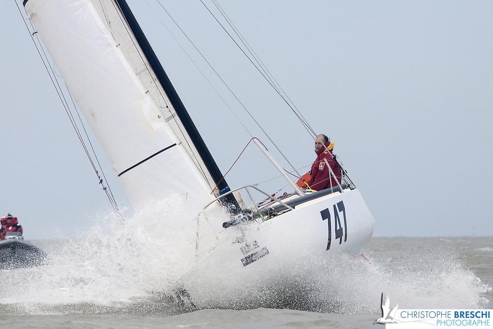Mini Pavis 2010: le départ de La Rochelle