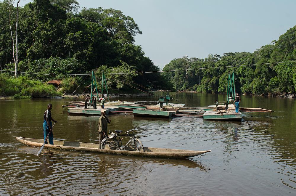 Car ferry<br /> Likouala - Monsaka River<br /> Republic of Congo (Congo - Brazzaville)<br /> AFRICA