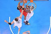 DESCRIZIONE : Torino Coppa Italia Final Eight 2012 Semifinale Montepaschi Siena EA7 Emporio Armani Milano<br /> GIOCATORE : Malik Hairston<br /> CATEGORIA : special tiro <br /> SQUADRA : EA7 Emporio Armani Milano<br /> EVENTO : Suisse Gas Basket Coppa Italia Final Eight 2012<br /> GARA : Montepaschi Siena EA7 Emporio Armani Milano<br /> DATA : 18/02/2012<br /> SPORT : Pallacanestro<br /> AUTORE : Agenzia Ciamillo-Castoria/C.De Massis<br /> Galleria : Final Eight Coppa Italia 2012<br /> Fotonotizia : Torino Coppa Italia Final Eight 2012 Semifinale Montepaschi Siena EA7 Emporio Armani Milano<br /> Predefinita :