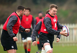 Ted Hill of England Under 20s - Mandatory by-line: Robbie Stephenson/JMP - 09/01/2018 - RUGBY - England U20 - Training session ahead of Six Nations