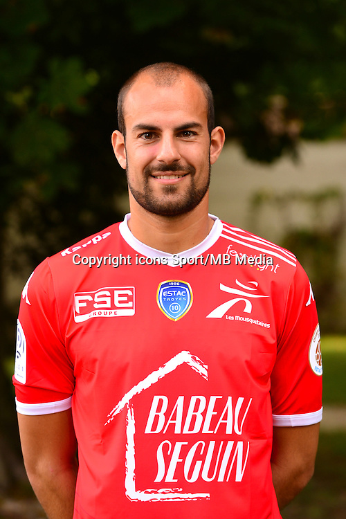 Matthieu DREYER - 02.09.2015 - Photo Officielle de Troyes - Ligue 1<br /> Photo : Dave Winter / Icon Sport