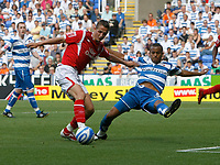 Photo: Steve Bond/Richard Lane Photography. Reading v Nottingham Forest. Coca Cola Championship. 08/08/2009. Chris Cohen gets in a goalbound effort