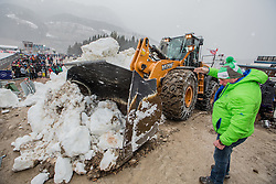 11.01.2015, Kulm, Bad Mitterndorf, AUT, FIS Ski Flug Weltcup, Wegen Schlechwetters wurde Schnee vom Schneedepot der Tauplitz - Alm angeliefert. //  because worst weather was snow from the snow depot of the Tauplitz  - Alm delivered. FIS Ski Flying World Cup at the Kulm, Bad Mitterndorf, Austria on 2015/01/11, EXPA Pictures © 2015, PhotoCredit: EXPA/ Dominik Angerer