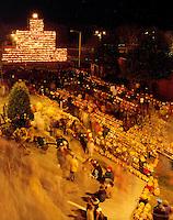 Crowds celebarate new World's Record for Lit Jack o Lanterns at Keene Pumpkin Festival.