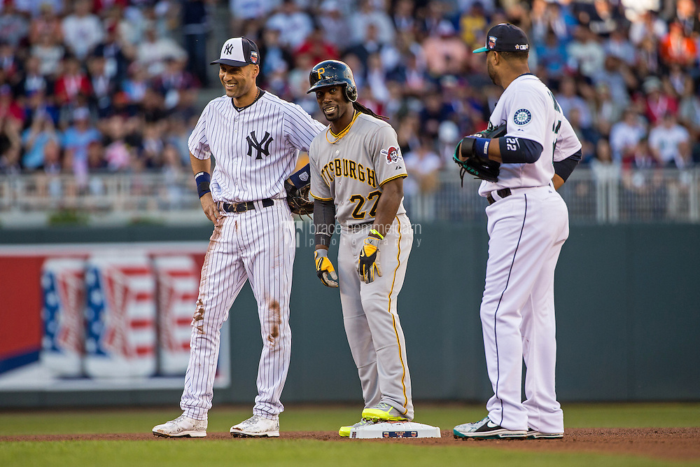 MINNEAPOLIS, MN- JULY 15: American League All-Star Derek Jeter #2 of the New York Yankees and National League All-Star Andrew McCutchen #22 of the Pittsburgh Pirates during the 85th MLB All-Star Game at Target Field on July 15, 2014 in Minneapolis, Minnesota. (Photo by Brace Hemmelgarn) *** Local Caption *** Derek Jeter;Andrew McCutchen