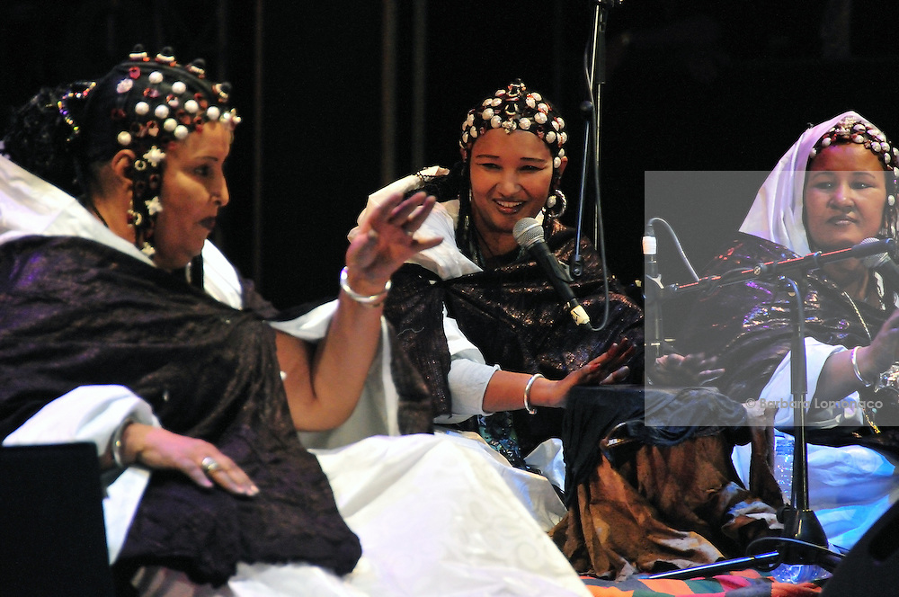 "Fadimata Walett Oumar and her Tuareg female group ""Tartit"", from Mali playing at the ""III Rencontre Internationale d'Imzad"" in Tamanrasset, Algeria."
