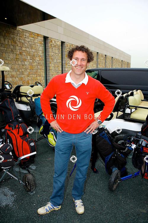 BADHOEVEDORP - De DON Masters is een celebrity golftoernooi, waarbij iedere flight bestaat uit 3 deelnemers en 1 bekende Nederlander. Het toernooi plaats op Golfclub The International. Met op de foto  Marcel Maijer. FOTO LEVIN DEN BOER - PERSFOTO.NU