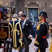 NLD/Den Haag/20130917 -  Prinsjesdag 2013, Prins Constantijn en prinses Laurentien stappen  uit de glazen koets