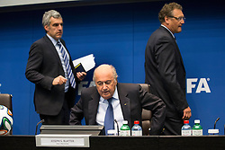 21.03.2014, Home of FIFA, Zuerich, SUI, FIFA, Pressekonferenz des Exekutivkomitee, im Bild FIFA Medien Direktor Walter Di Gregorio (L), FIFA Praesident Joseph Sepp Blatter (M), Generalsekretaer Jerome Valcke // during a press conference of the FIFA Executive Committee at the Home of FIFA in Zuerich, Switzerland on 2014/03/21. EXPA Pictures © 2014, PhotoCredit: EXPA/ Freshfocus/ Andreas Meier<br /> <br /> *****ATTENTION - for AUT, SLO, CRO, SRB, BIH, MAZ only*****