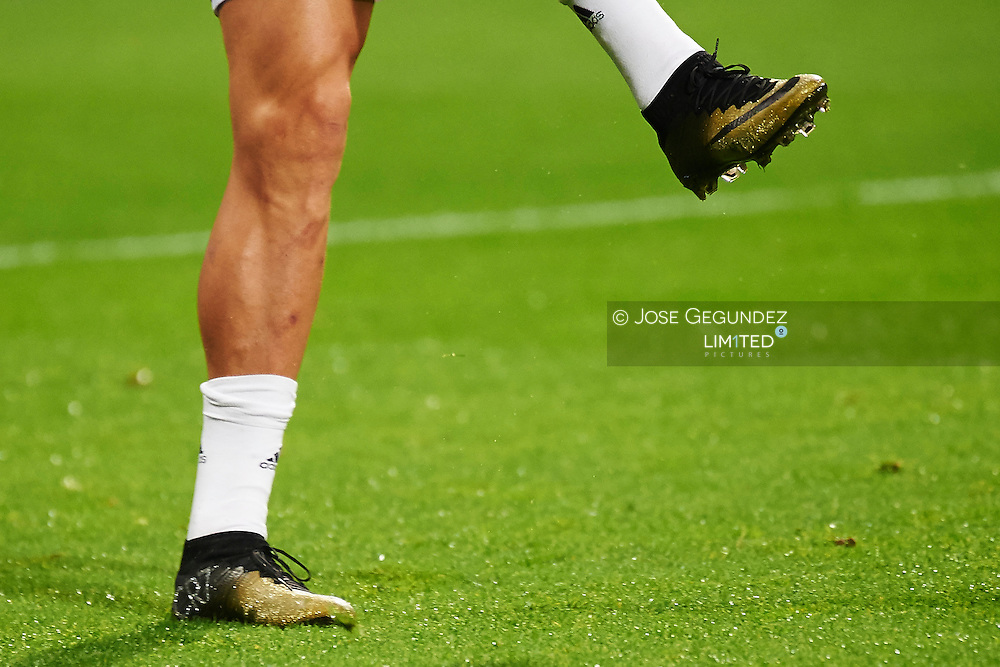 Cristiano Ronaldo during the Copa del Rey, round of 8 match between Real Madrid and Atletico de Madrid at Estadio Santiago Bernabeu on January 15, 2015 in Madrid, Spain.<br /> Cristiano Ronaldo use for the first time a new hand made boots with diamonds.