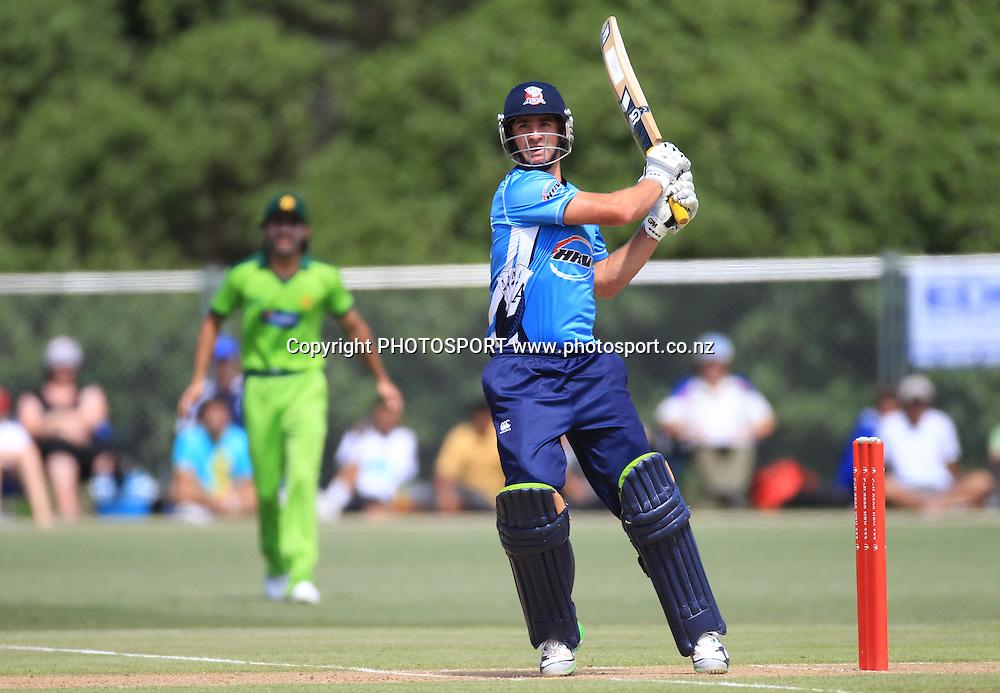 Colin de Grandhomme. Twenty20 Cricket, Auckland Aces v Pakistan, Colin Maiden Park, Auckland. Thursday 23 December 2010.Photo: Andrew Cornaga/photosport.co.nz