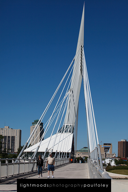 Saint-Boniface/Broadway Bridge, Winnipeg, Canada.