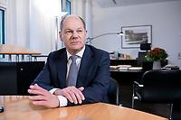 21 NOV 2018, BERLIN/GERMANY:<br /> Olaf Scholz, SPD, Bundesfinanzminister, waehrend einem Interview, in seinem Buero, Bundesministerium der Finanzen<br /> IMAGE: 20181121-01-016<br /> KEYWORDS: Büro