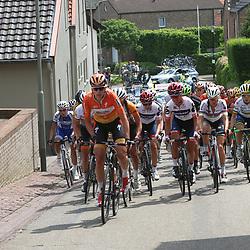 27-05-2016: Wielrennen: Boels Rental Classic: Valkenburg  <br />VALKENBURG (NED) wielrennen<br />Ellen van Dijk voert de kopgroep aan met op de eerste rij ook wereldkampioen Lizzy Armitstead