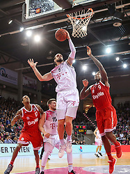 28.03.2016, Telekom Dome, Bonn, GER, Beko Basketball BL, Telekom Baskets Bonn vs FC Bayern Muenchen, 23. Runde, im Bild vl. Dirk Maedrich (Bonn, #5), Deon Thompson (Muenchen, #9) // during the Beko Basketball Bundes league 23th round match between Telekom Baskets Bonn and FC Bayern Munich at the Telekom Dome in Bonn, Germany on 2016/03/28. EXPA Pictures © 2016, PhotoCredit: EXPA/ Eibner-Pressefoto/ Fleig<br /> <br /> *****ATTENTION - OUT of GER*****