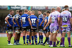 Bath Rugby players huddle together during a break in play - Mandatory byline: Patrick Khachfe/JMP - 07966 386802 - 21/09/2019 - RUGBY UNION - Sandy Park - Exeter, England - Exeter Chiefs v Bath Rugby - Premiership Rugby Cup
