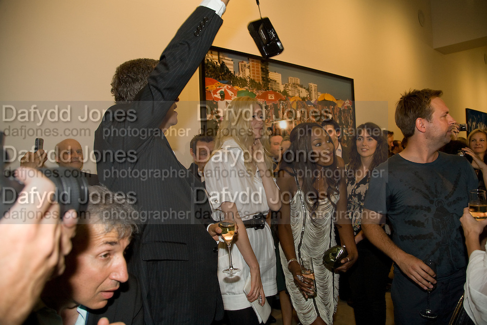 MARIO TESTINO; CLAUDIA SCHIFFER; NAOMI CAMPBELL  Mario Testino: Obsessed by You -  private view<br />Phillips de Pury & Company, Howick Place, London, SW1, 2 July 2008 *** Local Caption *** -DO NOT ARCHIVE-© Copyright Photograph by Dafydd Jones. 248 Clapham Rd. London SW9 0PZ. Tel 0207 820 0771. www.dafjones.com.