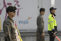 April 27, 2018 - Paju, GYEONGGI, SOUTH KOREA - April 27, 2018-Paju, South Korea-South Korean Military stand guard totheir check point at unification bridge in Paju, South Korea. South Korean President Moon and North Korean leader Kim has summit in panmunjom today. (Credit Image: © Ryu Seung-Il via ZUMA Wire)