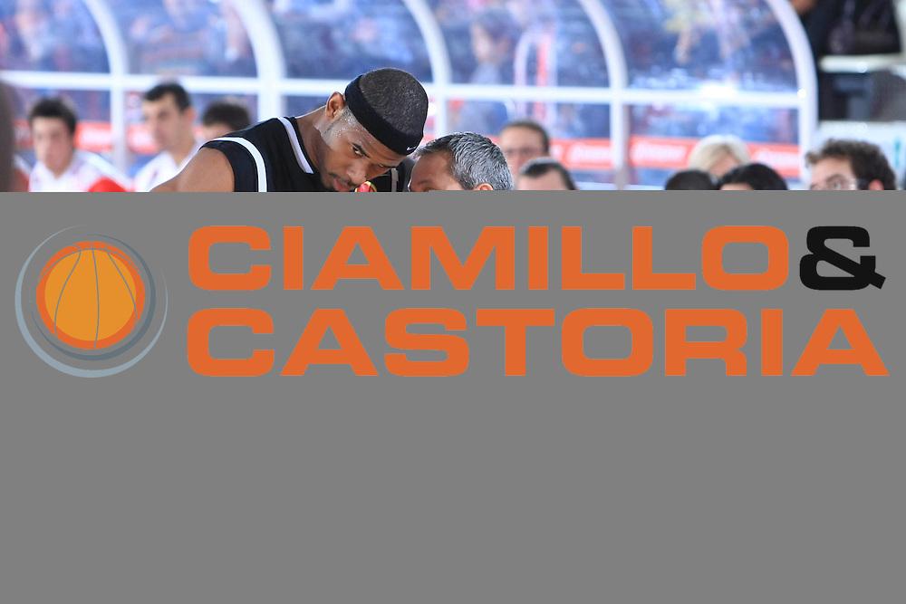 DESCRIZIONE : Teramo Lega A1 2008-09 Bancatercas Teramo Eldo Caserta<br /> GIOCATORE : Shan Foster<br /> SQUADRA : Eldo Caserta<br /> EVENTO : Campionato Lega A1 2008-2009<br /> GARA : Bancatercas Teramo Eldo Caserta<br /> DATA : 15/11/2008<br /> CATEGORIA : Ritratto<br /> SPORT : Pallacanestro<br /> AUTORE : Agenzia Ciamillo-Castoria/C.De Massis
