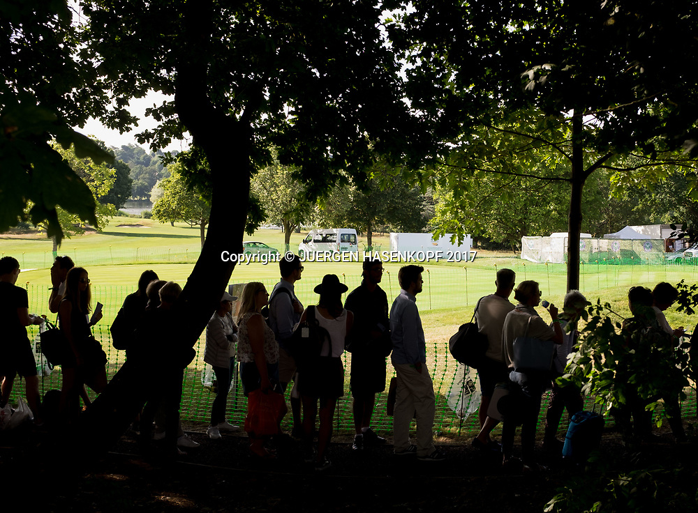 Wimbledon Feature, Tennis Fans in der Warteschlange,The Queue, Silhouette,<br /> <br /> Tennis - Wimbledon 2017 - Grand Slam ITF / ATP / WTA -  AELTC - London -  - Great Britain  - 5 July 2017.