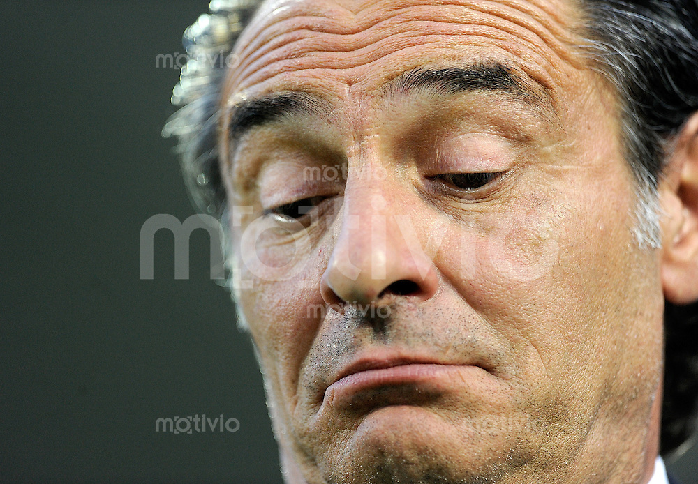FUSSBALL INTERNATIONAL  EM 2012-Qualifikation  Gruppe C  03.06.2011 Italien - Estland Trainer Cesare PRANDELLI (Italien)