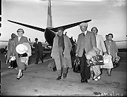 Barry Fitzgerald and J.J. O'Leary arrive from Barcelona - Special for Aer Lingus.19/06/1959