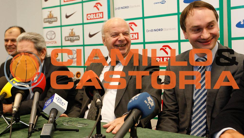 DESCRIZIONE : Lituania Lithuania Conferenza Stampa Preparazione Eurobasket Men 2011<br /> GIOCATORE : George Vassilakopoulos  Kosta Iliev Vladas Garastas<br /> SQUADRA : FIBA Europe<br /> EVENTO : Eurobasket Men 2011<br /> GARA : <br /> DATA : 21/01/2010<br /> CATEGORIA : press conference conferenza stampa<br /> SPORT : Pallacanestro <br /> AUTORE : Agenzia Ciamillo-Castoria/M.Kulbis<br /> Galleria : Eurobasket Men 2011<br /> Fotonotizia :  Lituania Lithuania Conferenza Stampa Preparazione Eurobasket Men 2011<br /> Predefinita :