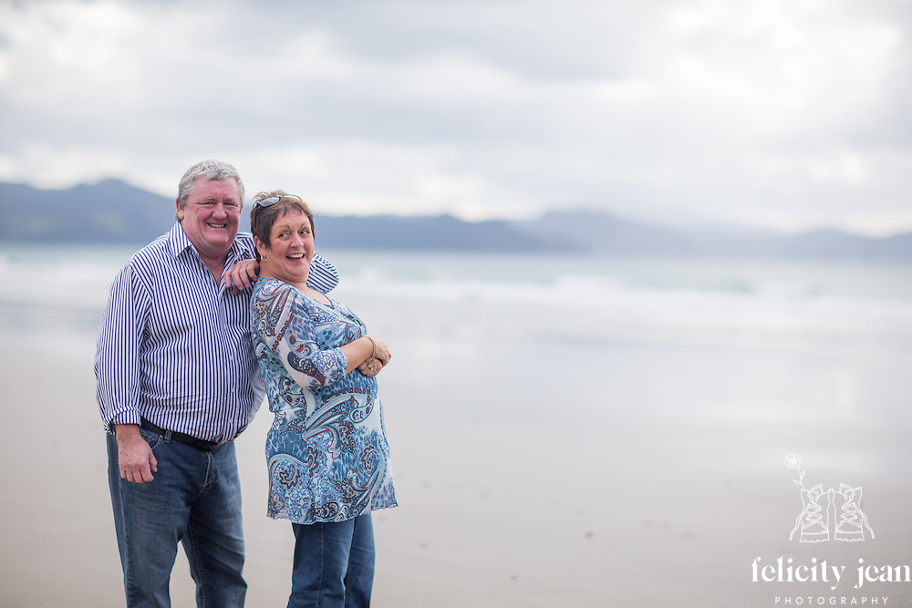 family photography for Kerry Puku & family at Matarangi coromandel photographer felicity jean photography