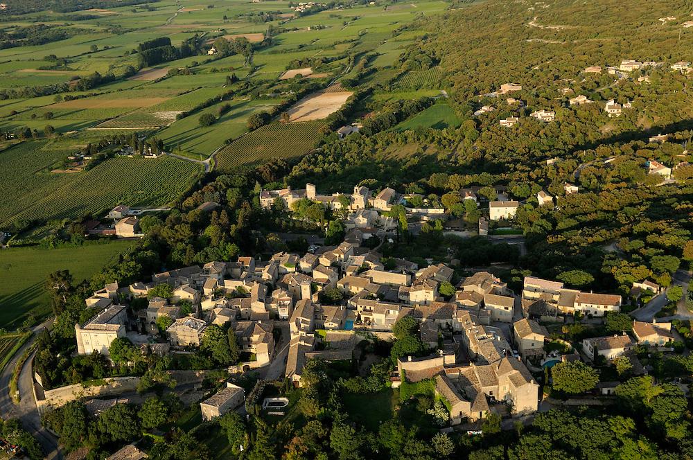 France, Languedoc Roussillon, Gard (30), région Uzès, village de Saint-Siffret