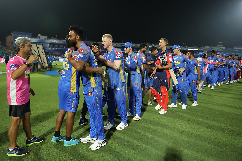 Rajasthan Royals and Delhi Daredevils players shake hands after the match six of the Vivo Indian Premier League 2018 (IPL 2018) between the Rajasthan Royals and the Delhi Daredevils held at the The Sawai Mansingh Stadium in Jaipur on the 11th April 2018.<br /> <br /> Photo by: Arjun Singh / IPL/ SPORTZPICS