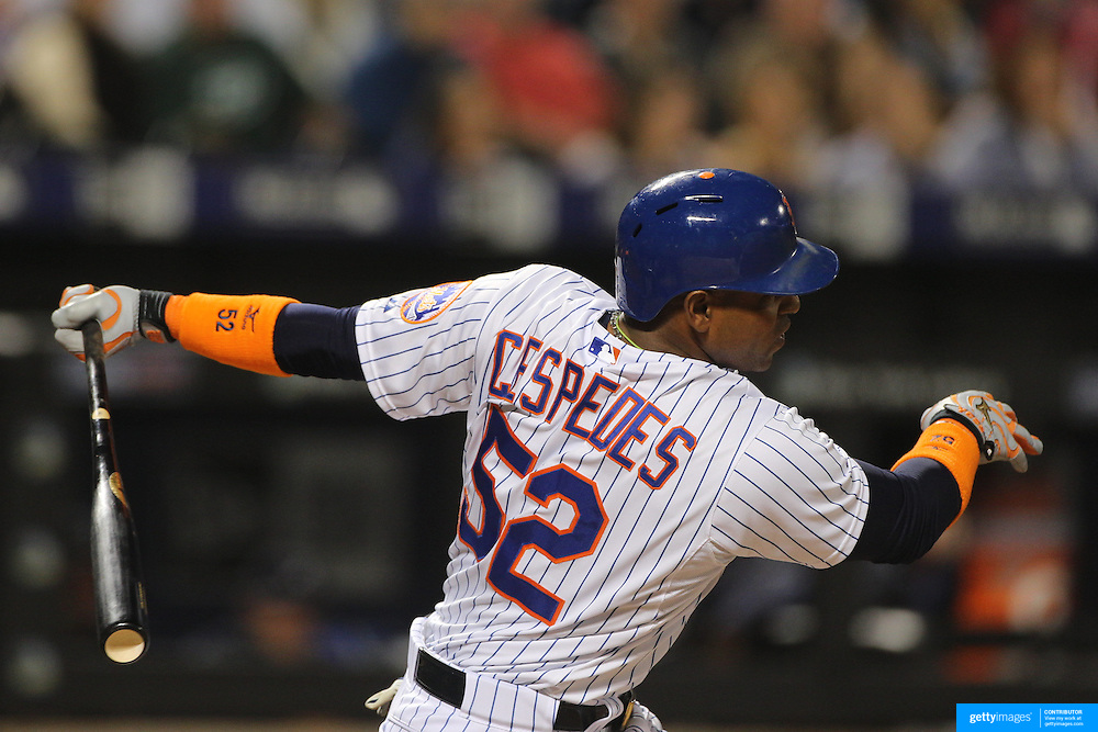 Yoenis Cespedes, New York Mets, batting during the New York Mets Vs Atlanta Braves MLB regular season baseball game at Citi Field, Queens, New York. USA. 22nd September 2015. Photo Tim Clayton