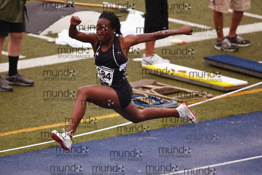 Toronto, Ontario ---28/06/09---  Alicia Smith competing in  at the Canadian National Track and Field Championships in Toronto, Ontario June 28, 2009..GEOFF ROBINS Mundo Sport Images
