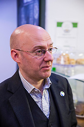 Pictured: <br /> Greens co-cordinator Partrick Harvie headed to Rose Street in Edinburgh today to serve customers at Social Bite cafe, a social enterprise supporting the homeless<br /> <br /> Ger Harley | EEm 20 April 2016