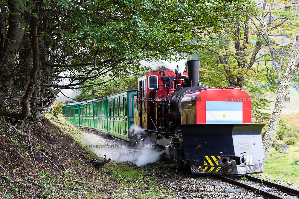 TREN DEL FIN DEL MUNDO, PARQUE NACIONAL TIERRA DEL FUEGO, USHUAIA, PROVINCIA DE TIERRA DEL FUEGO, ARGENTINA (PHOTO BY © MARCO GUOLI - ALL RIGHTS RESERVED. CONTACT THE AUTHOR FOR ANY KIND OF IMAGE REPRODUCTION)