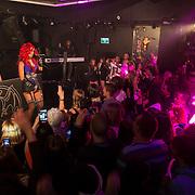 NLD/Hilversum/20130610 - Presentatie 1e album Sharon Doorson, optreden