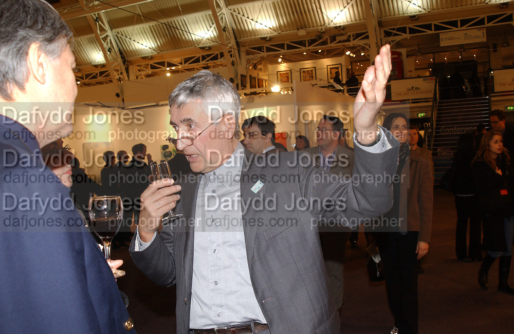Joe Boothby. Art 2003 London Art Fair opening. Business Design Centre.  14 January 2003. © Copyright Photograph by Dafydd Jones 66 Stockwell Park Rd. London SW9 0DA Tel 020 7733 0108 www.dafjones.com