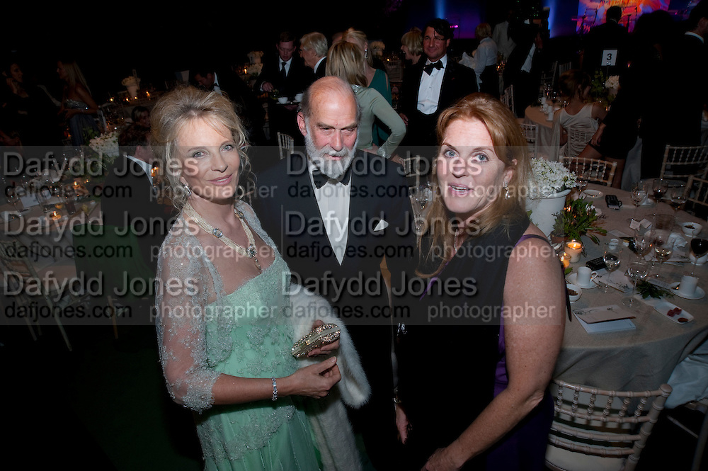 PRINCEESS MICHAEL OF KENT; PRINCE MICHAEL OF KENT; SARAH DUCHESS OF YORK, The Ormeley dinner in aid of the Ecology Trust and the Aspinall Foundation. Ormeley Lodge. Richmond. London. 29 April 2009
