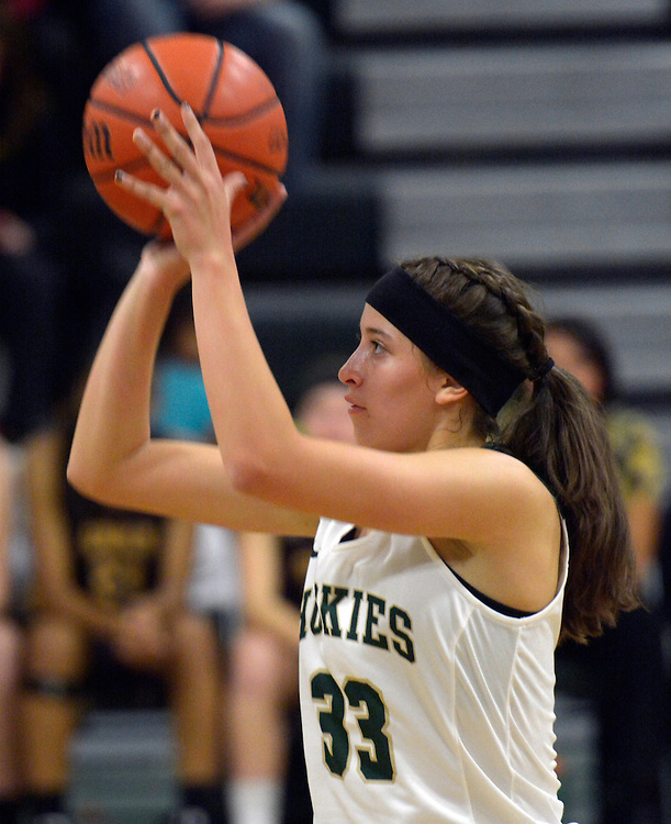 gbs112916j/SPORTS -- Hope Christian's Hanna Valencia, shoots a free throw during the game against Cibola at Hope on Tuesday, November 29, 2016. (Greg Sorber/Albuquerque Journal)