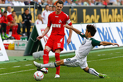 24.04.2010, Volkswagen Arena, Wolfsburg, GER, 1.FBL, VfL Wolfsburg vs 1.FC Koeln, im Bild Milivoje Novakovic (Koeln #11) und Diego (Wolfsburg #28) .EXPA Pictures © 2011, PhotoCredit: EXPA/ nph/  Schrader       ****** out of GER / SWE / CRO  / BEL ******