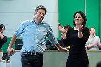 16 NOV 2019, BIELEFELD/GERMANY:<br /> Robert Habeck (L), B90/Gruene, Bundesvorsitzender, Annalena Baerbock (R), B90/Gruene, Bundesvorsitzende, nach Bekanntgabe des Wahlergebnisses von Habeck, Bundesdelegiertenkonferenz Buendnis 90 / Die Gruenen, Stadthalle<br /> IMAGE: 20191116-01-109<br /> KEYWORDS: Parteitag, Bundesparteitag, Party congress, BDK; Die Grünen