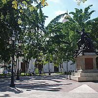 Plaza La Victoria, con el monumento a Jose Feliz Ribas. La Victoria, Julio, 15 del 2010. Jimmy Villalta