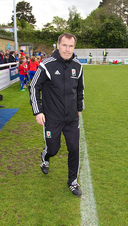 BANGOR, WALES - Thursday, May 8, 2014: Wales' manager Jarmo Matikainen before the FIFA Women's World Cup Canada 2015 Qualifying Group 6 match against Montenegro at the Nantporth Stadium. (Pic by David Rawcliffe/Propaganda)