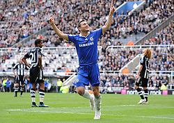 FRANK LAMPARD CELEBRATES GOAL.NEWCASTLE V CHELSEA.NEWCASTLE V CHELSEA.ST JAMES PARK, NEWCASTLE, ENGLAND.04 April 2009.DIX94507..  .WARNING! This Photograph May Only Be Used For Newspaper And/Or Magazine Editorial Purposes..May Not Be Used For, Internet/Online Usage Nor For Publications Involving 1 player, 1 Club Or 1 Competition,.Without Written Authorisation From Football DataCo Ltd..For Any Queries, Please Contact Football DataCo Ltd on +44 (0) 207 864 9121