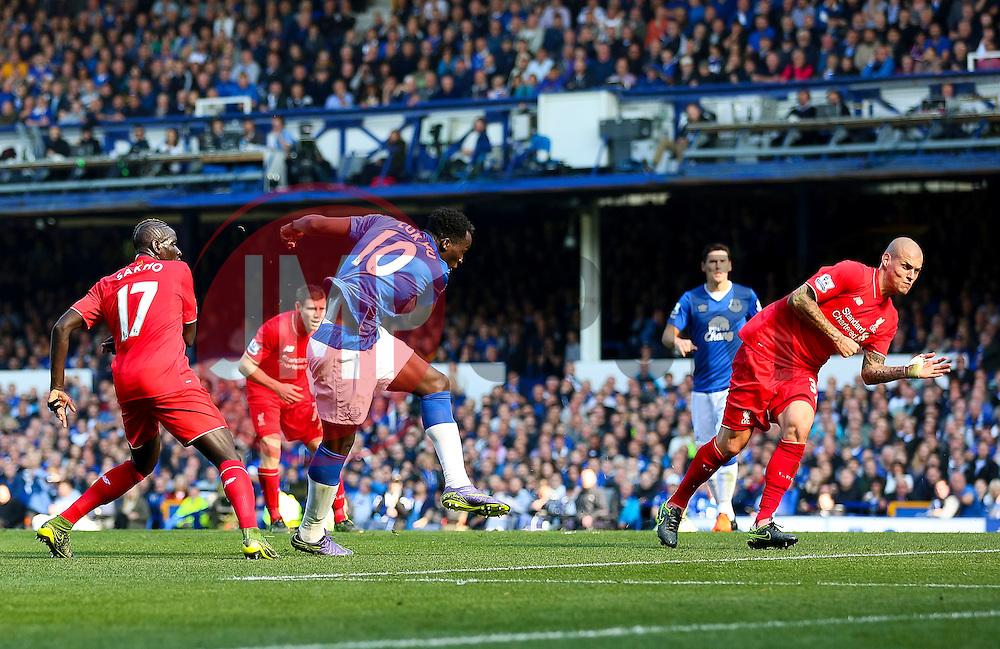 Everton's Romelu Lukaku scores the equalising goal to make it 1-1  - Mandatory byline: Matt McNulty/JMP - 07966 386802 - 04/10/2015 - FOOTBALL - Goodison Park - Liverpool, England - Everton  v Liverpool - Barclays Premier League
