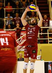 20141029 BEL: Eredivisie, Callant Antwerpen - Volley Behappy2 Asse - Lennik: Antwerpen<br />Yannick van Harskamp (3) of Callant Antwerpen<br />©2014-FotoHoogendoorn.nl / Pim Waslander