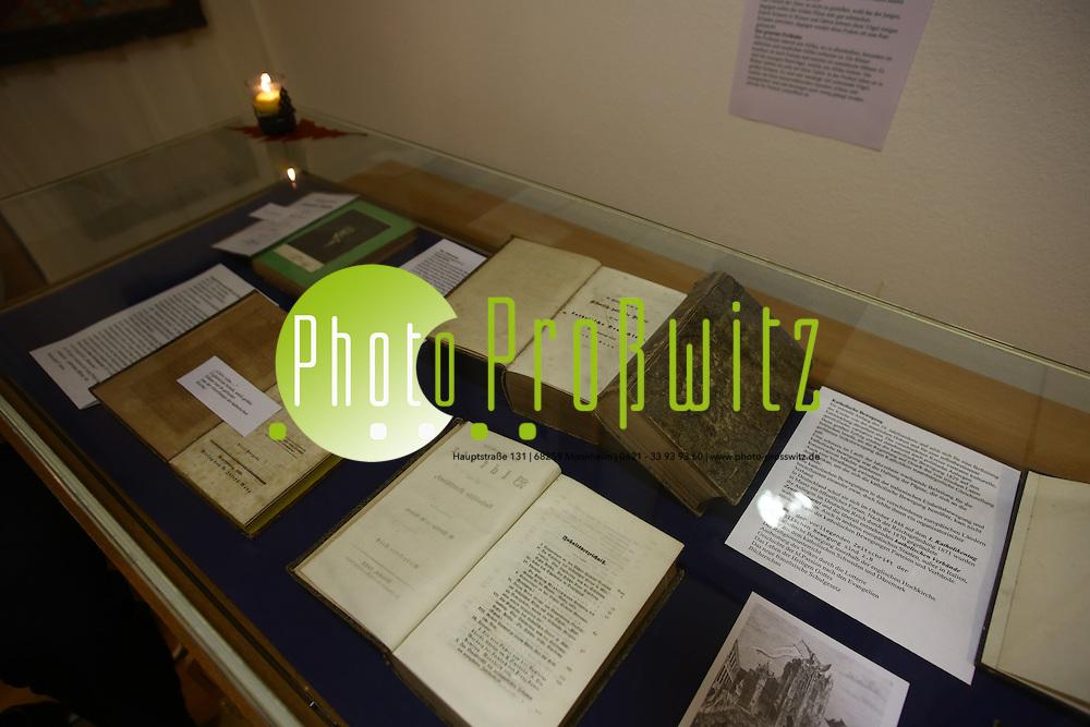 Ludwigshafen. 02.12.15 Oggersheim. Schillerhaus,  Ausstellung &uuml;ber fr&uuml;here Klosterbibliothek in Oggersheim.<br /> <br /> <br /> Bild: Markus Pro&szlig;witz 02DEC15 / masterpress