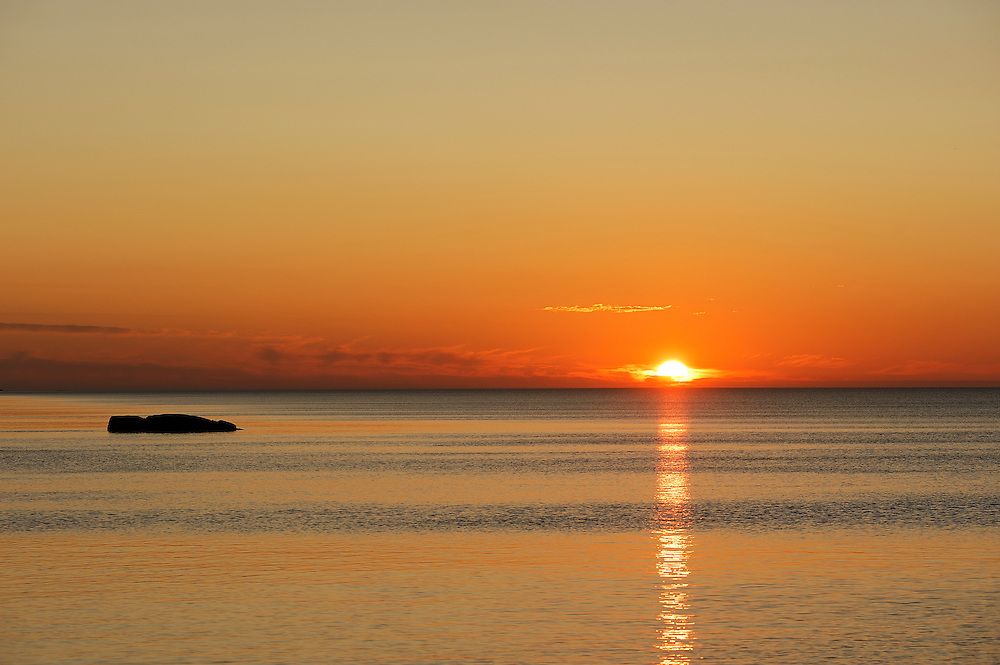 Sunrise over Lake Superior, Cascade River State Park, North Shore, Minnesota, USA